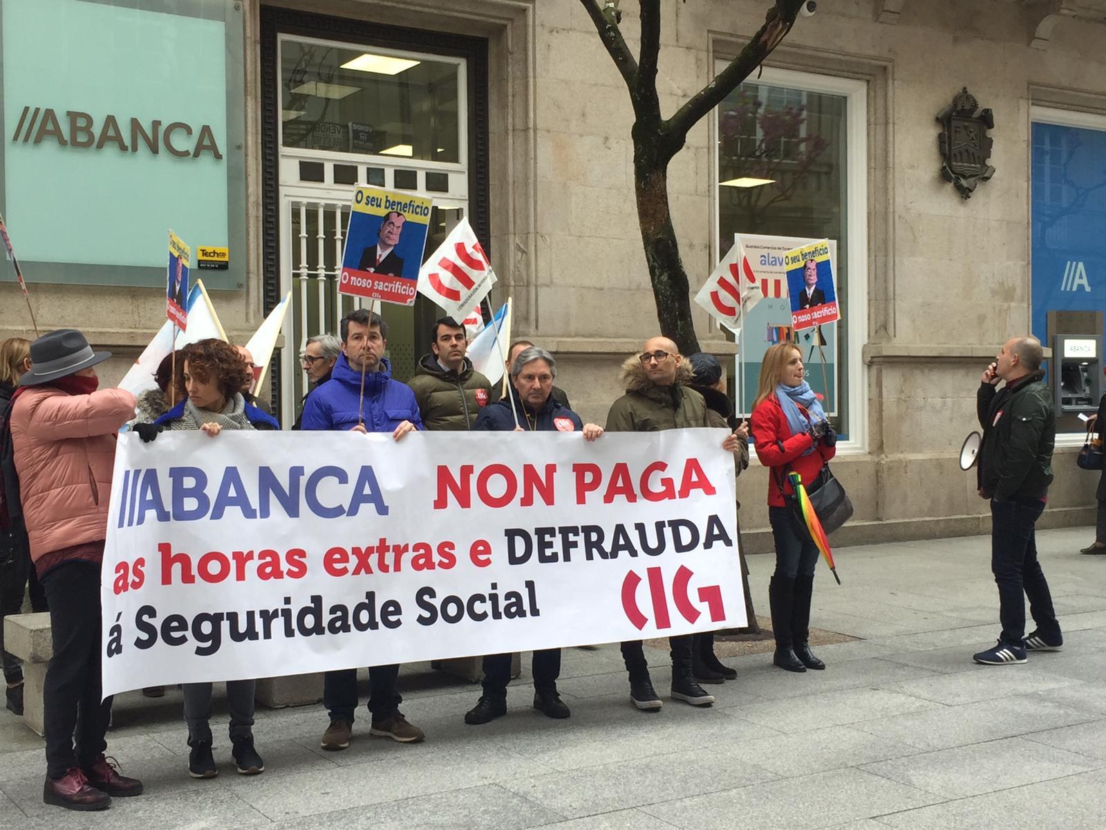 Feijóo promociona seguros de vida como Presidente da Xunta ao ...